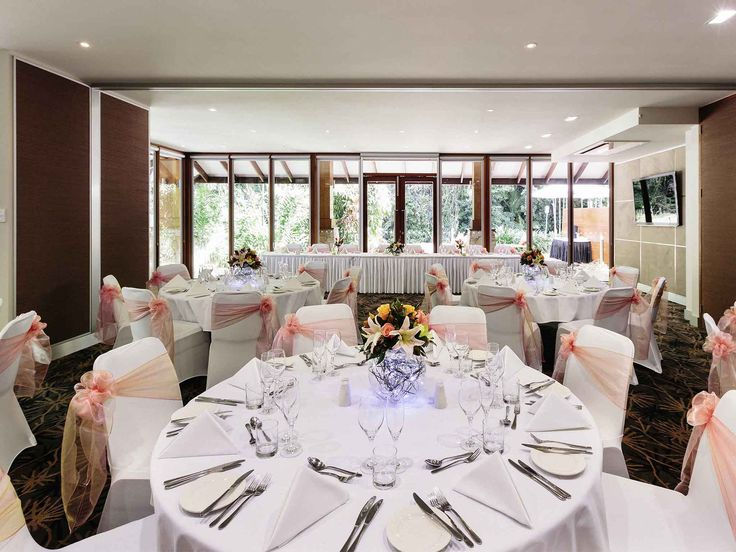 Pullman Palm Cove Sea Temple Resort and Spa - indoor wedding setting