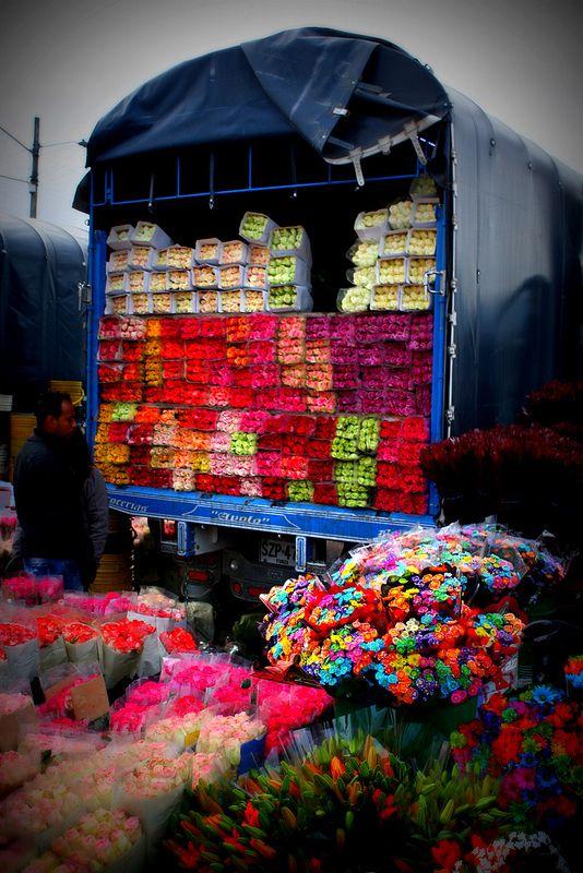 Flores...Plaza de Mercado de Paloquemao en Bogota