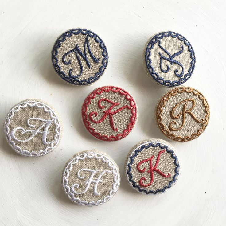 イニシャルブローチ #embroidery #刺繍 #ブローチ #broach #イニシャル