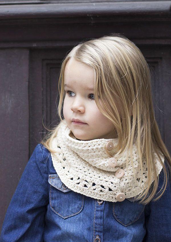 Mon Petit Four ~ Button Up Cowl Free Crochet pattern