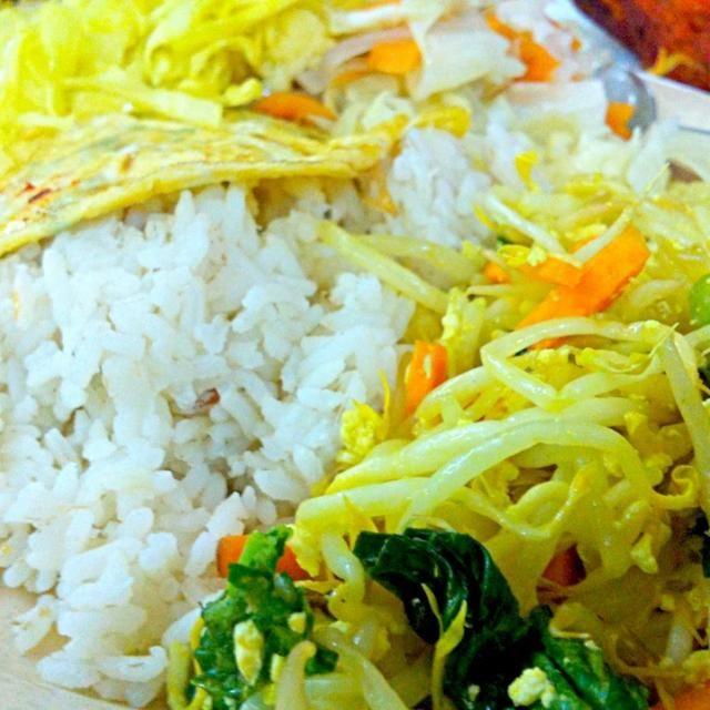 レシピとお料理がひらめくSnapDish - 8件のもぐもぐ - Indian vegetarian lunch by Jorge Bernal Márquez