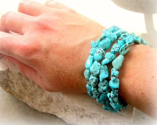 Blue Green Turquoise  Bracelet. Chunky Turquoise Nugget Howlite Bracelet. Four Strand Toggle Bracelet. Turquoise Jewelry. Howlite Jewelry