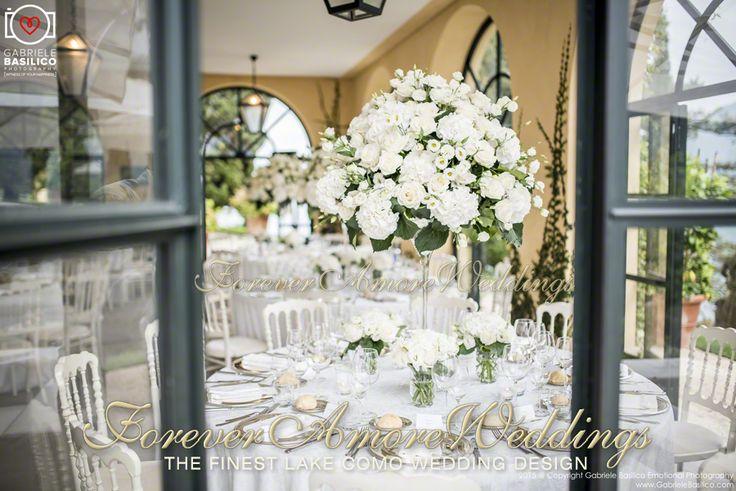 Wedding reception at Villa Balbianello, Loggia Segrè. Picture by Gabriele Basilico ©