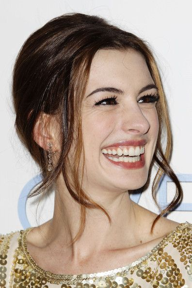 "Anne Hathaway - ""Love & Other Drugs"" Premieres In Sydney"