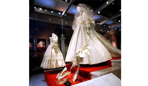 Heres Princess Dianas Wedding Dress in The Crown — and