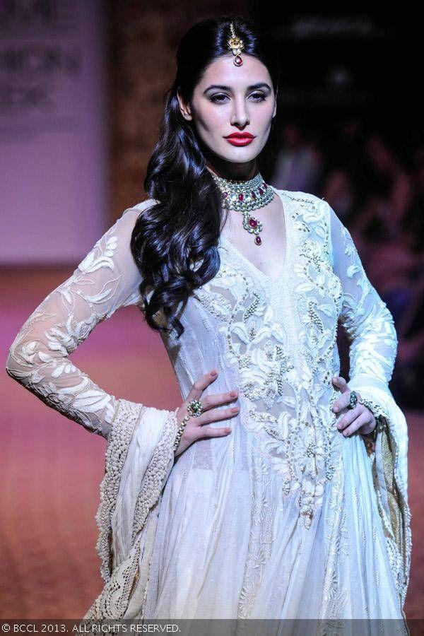 Nargis Fakhri walks the ramp for designer Ritu Kumar on Day 5 of the Lakme Fashion Week (LFW) Winter/Festive 2013. #Bollywood #Style #Fashion #LFW
