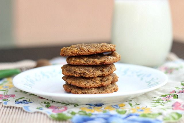 3 Ingredient Sugar Free Peanut Butter Cookies - use almond butter to make paleo!