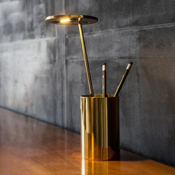 In this special Gold Edition of the playful E.T. table lamp, Munich-based design studio, Formagenda, exponentially ups the luxe-factor. The original E.T. is also available in eight bold colours.