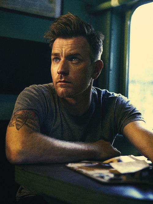 Ewan McGregor, book lover, newspaper reader and all around cute guy.  ~~ Houston Foodlovers Book Club