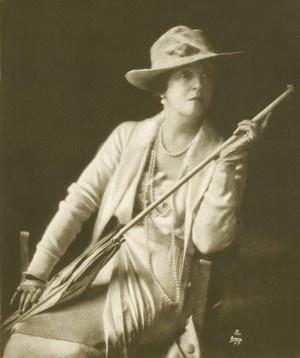 Lady Duff Gordon in 1917.