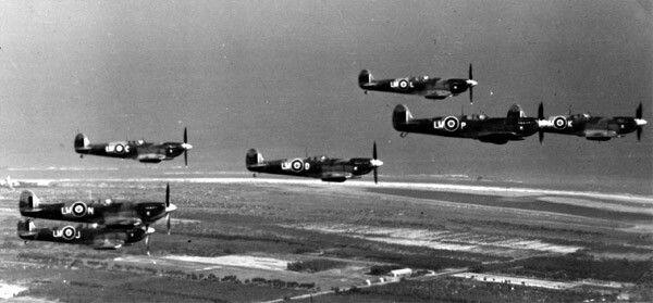 "No.318 ""Gdańsk"" Polish Fighter-Reconnaissance Squadron RAF  Sqn.code : LW-"