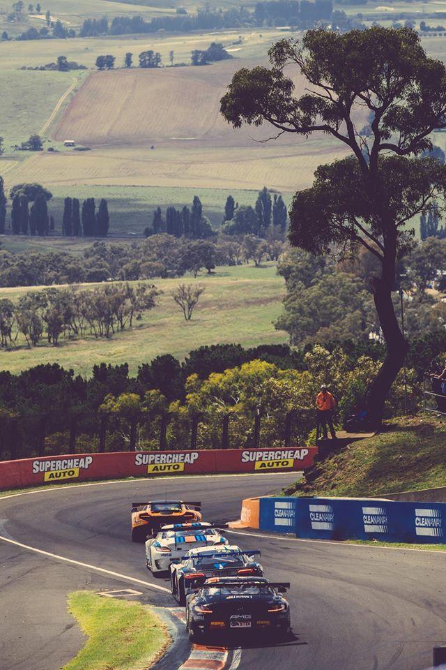 Mount Panorama Circuit. - Bathurst 1000 2015.