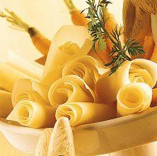 Les fromages Suisses sans lactose? A vérifier!  Le Gruyère AOP suisse, Emmentaler AOC suisse, Appenzeller, Tête de moine AOC, Le Poyat AOC suisse, Sbrinz AOC, Vacherin Mont-d'Or AOC, Etivaz AOC.  Lorsqu'ils sont prêts à être consommés, sont exempts de lactose, car durant leur fabrication celui-ci est entièrement transformé en acide lactique et autres substances par les bactéries lactiques.  Ainsi ces fromages sont également exempts de gluten car aucun ingrédient à base de céréales n'est…