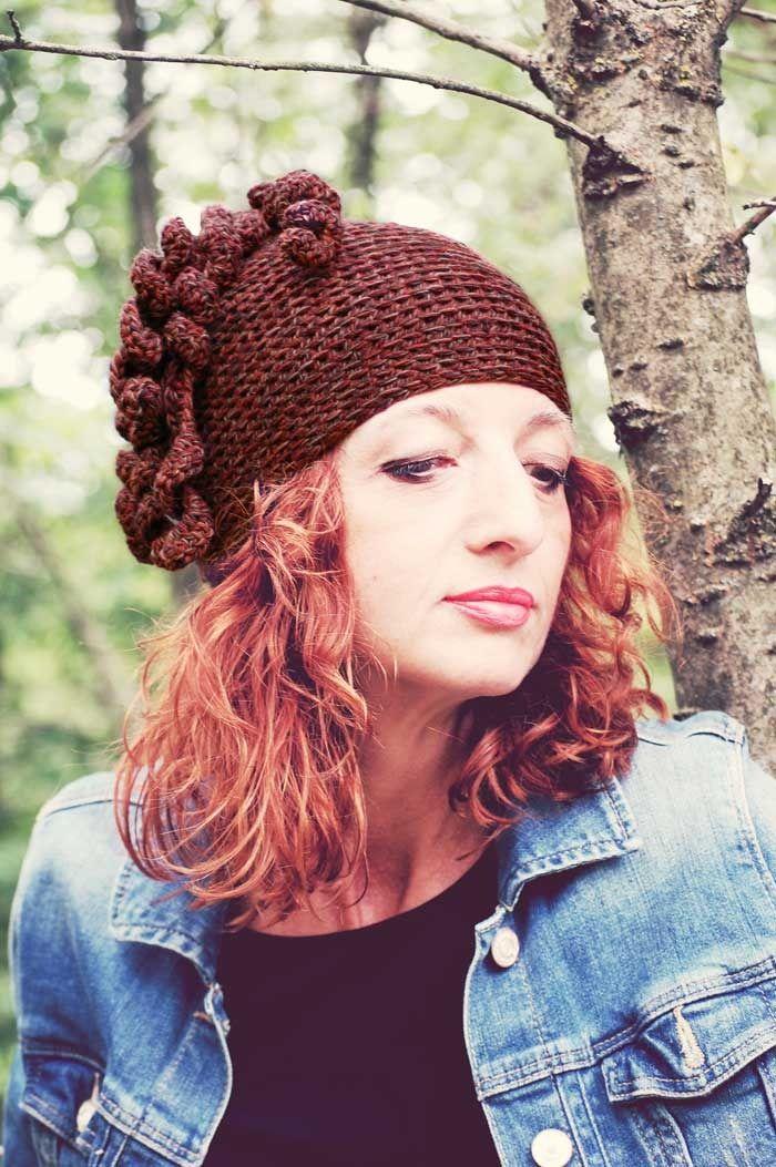 Cappello berretto lana marrone cioccolato beige rosso mattone melange con cascata di ricci crochet : Cappelli, berretti di filoecoloridiila #hat #wool #brown #chocolate #melange #curly #crochet #fall #winter #handmade #glamour #ooak
