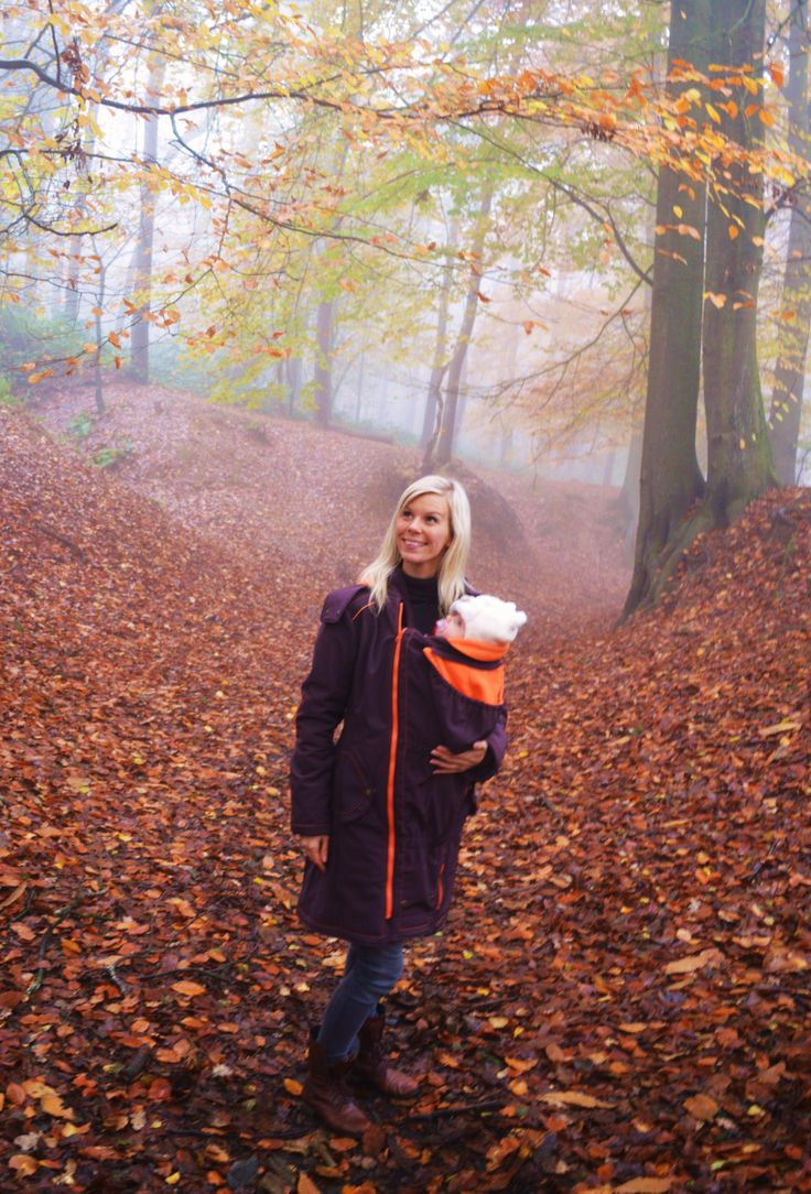 """What an amazing coat! I really like it a lot! I already wore it for a nice walk (with my 3 month old daughter) and it's really nice and warm!"" - Kim Vercoutere #babywearing #mamacoat"