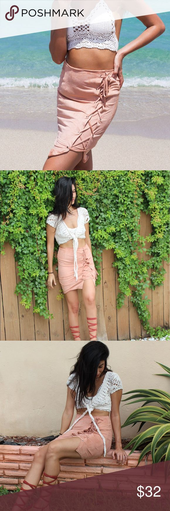 Pastel suede skirt The high waisted Passion skirt is a festival fave! The material is a soft faux suede fabric featuring shoelace tie on the side that can be adjusted to your best confort. Hipisburry Skirts Midi