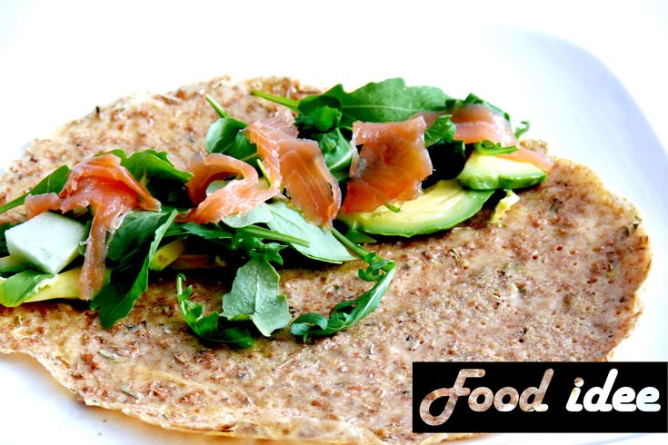 <p>Yum! Heerlijke lunch of avondmaal! Door het beslag zit rozemarijn. Deze pannenkoek belegik het liefst met zalm en avocado!  Eenspelt boekweit pannenkoek met zalm en avocado is een gezonde lunch of eet er één extra als avondmaal. Spelt en boekweit zijn allebei een goede vervanger voortarwe, omdat er veel …</p>