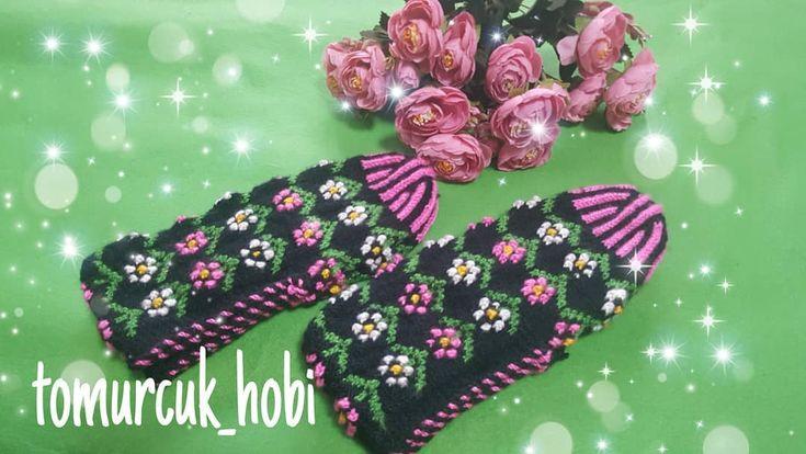 Sipariş ve bilgi için dm  #patik #5şişlepatik #beşşişpatik #ip #hediye #elemeği #kislik #giyim #corap #papatyapatik #bessispatik #handmade #örüyorum #pembe #crochet #crochetslippers