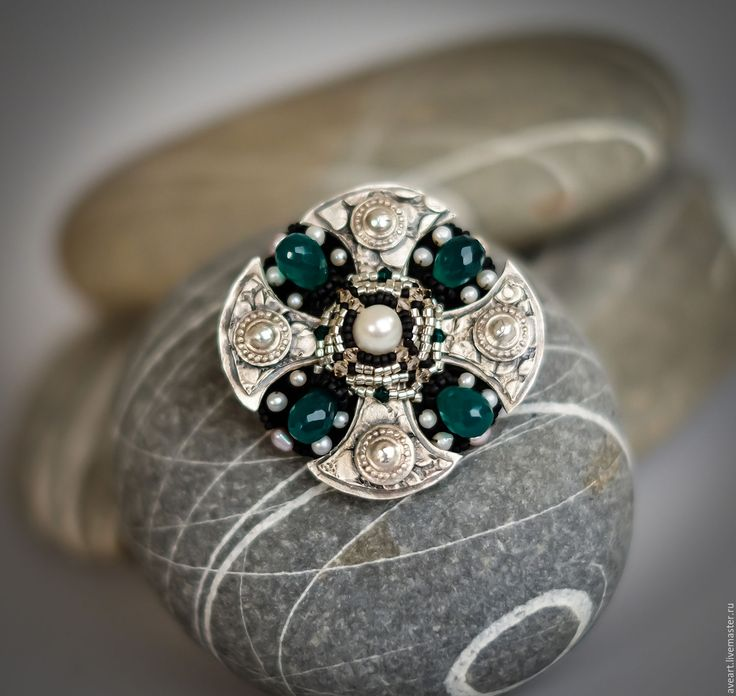 Royal Green. Embroidered brooch with big amount of silver, pearls and beads.