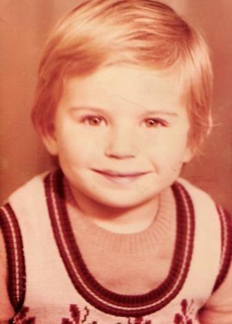 1981 doğumlu Güleç, Kırık Kanatlar, Hatırla Sevgili, Gece Gündüz gibi dizilerde de rol aldı. Ama asıl çıkışını Öyle Bir Geçer Zaman ki'deki Ahmet karakteriyle yaptı.