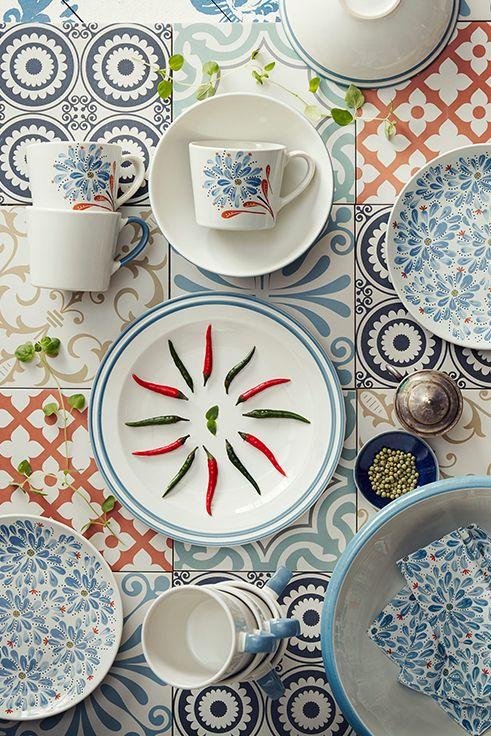 Folklore στοιχεία, floral μοτίβα και παραδοσιακές πινελιές συνθέτουν τη σειρά FINSTILT.