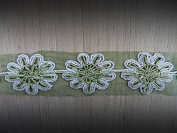 Galon tulle vert brodé argent et vert 6 cm  - mercerie - couture - embellissement - customisation - costume vénitien.