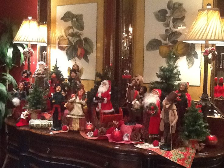 Decorating with the Byers' Choice Caroler Figurines by Phil & Ann Showalter