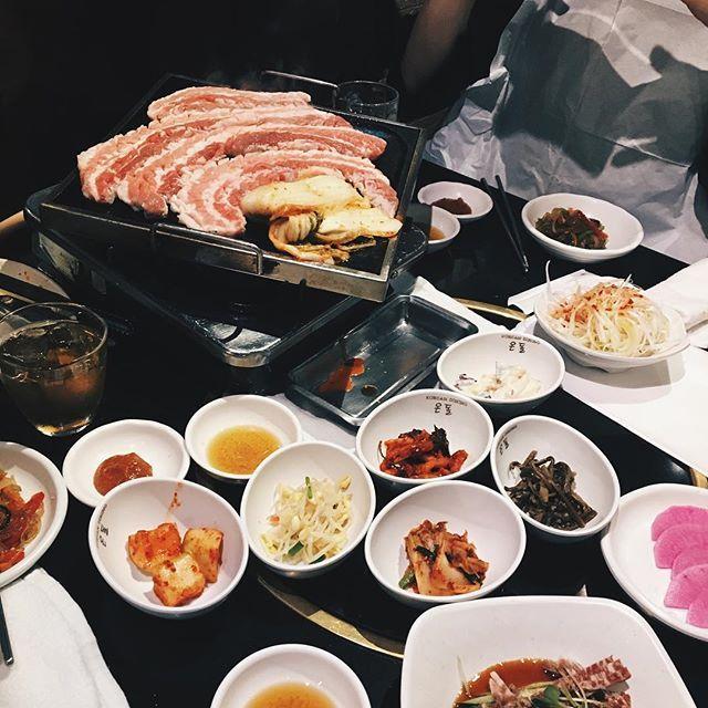 . 一昨日まさかのメンバーで韓国料理🍴 職種がみんな違うから色んな話しきてけ楽しかった🍴  #韓国料理#サムギョプサル#韓国#korean #酒#肉#BD#hbd #豚肉#新大久保#ケーキ#崩れた