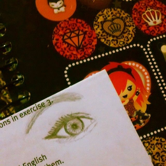 me gusta dibujar en clases... sorry teacher #instaeyes  #instadrawn #drawing  #bored