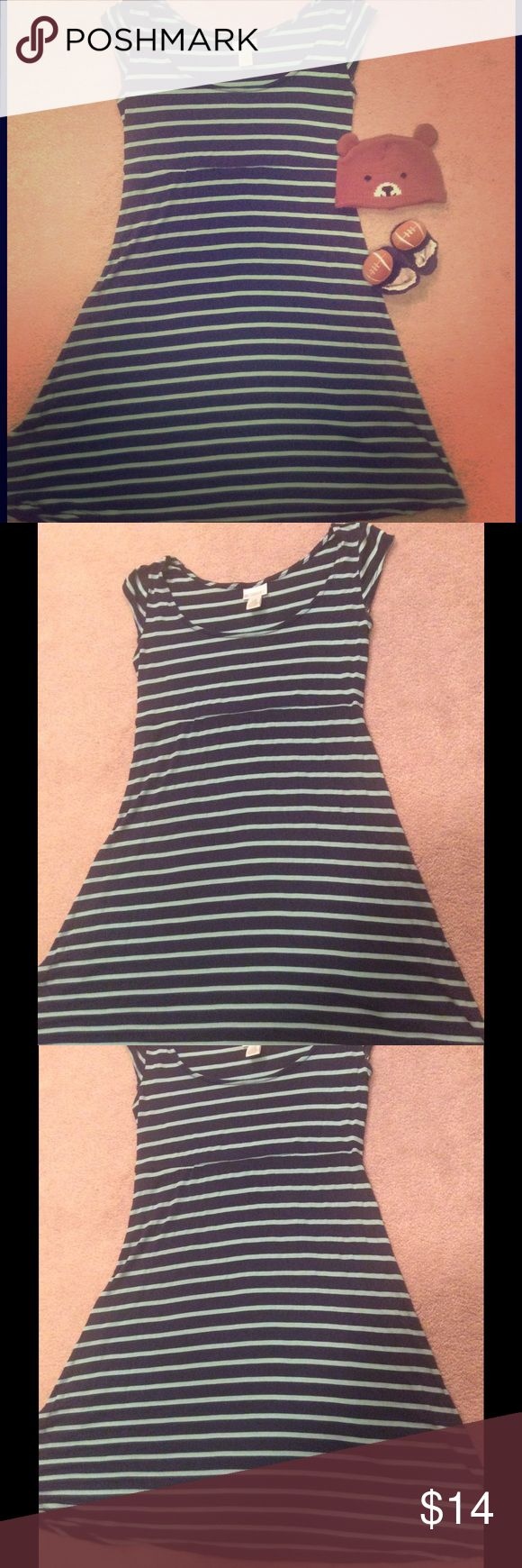 EUC Motherhood Maternity Dress SZ PS - Very soft! Dark and light blue striped short sleeve Motherhood Maternity dress size petite small (PS.) worn maybe a hand full of times if that much at all! Material is extremely soft and obviously has stretch to accommodate a growing belly. Motherhood Maternity Dresses Midi