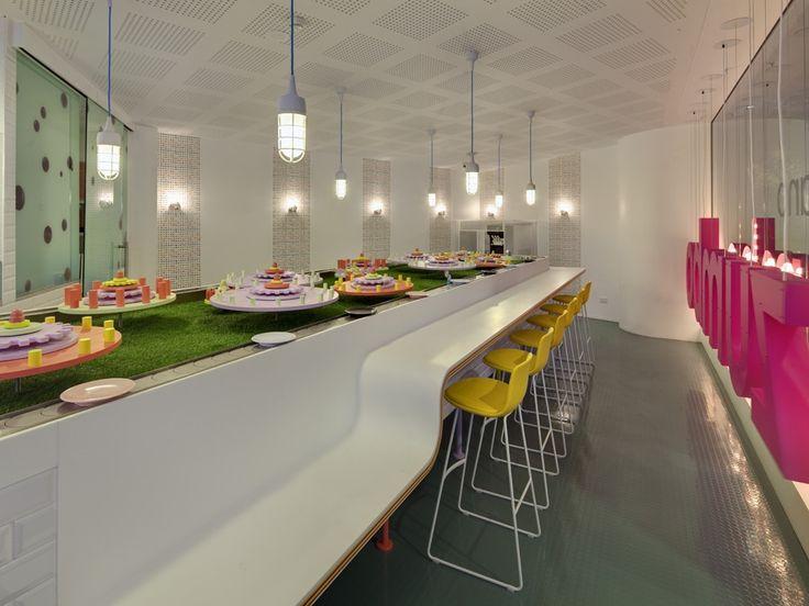Веселый дизайн интерьера каat-кондитерской Zumbo, Сидней