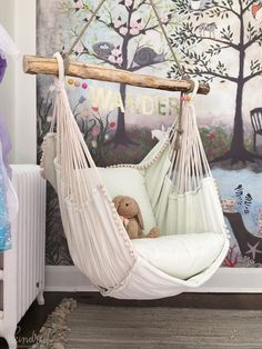Girls Room Ideas: 40 Great Ways to Decorate a Young Girl's Bedroom 11