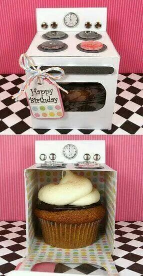 adorable cupcake oven box to give as a birthday present Birthday gifts #birthdaygifts