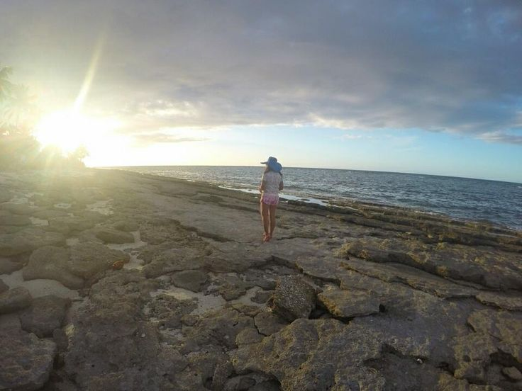 sunset on the other side of Kalanggaman Island in Palompon Leyte #sunset #kalanggamanisland #palomponleyte #leyte #travelleyte #nature #beach #shore #rockyshores #gopro #goprohero4silver #goprophoto