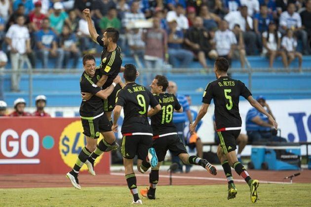 La forma fue poco decorosa, lo valioso los 3 puntos y lo histórico el fin de una racha. Así fue como la Selección Mexicana se consolidó como líder en la ...