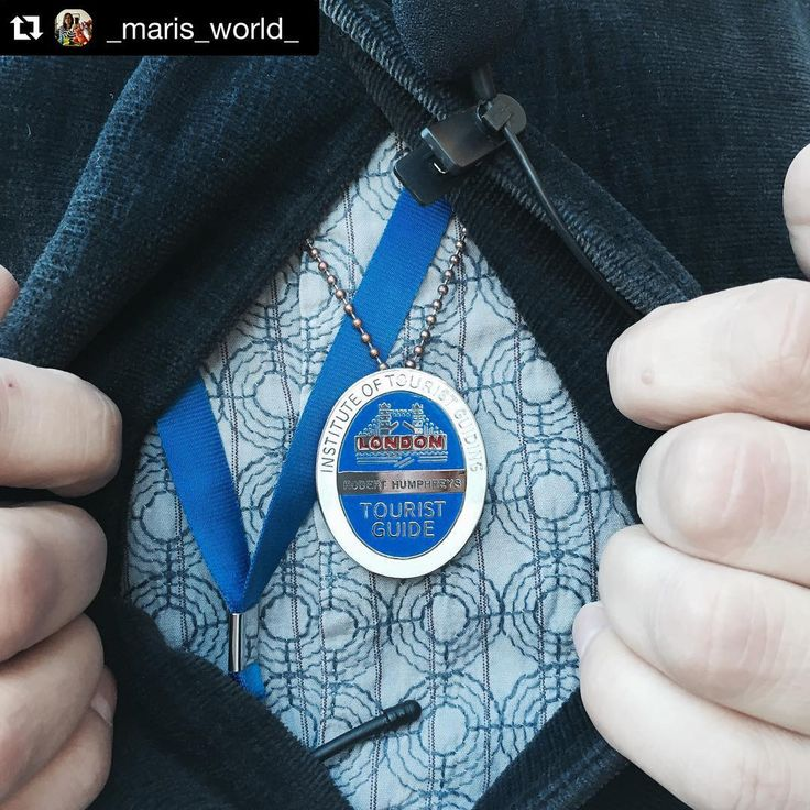 #Repost @_maris_world_ with @repostapp. ・・・ 18 months of study equivalent of learning The Knowledge, 11 exams to take and only then can you become an Official London Guide and my goodness Robert Humphreys knows his stuff, an absolute pleasure to spend a day listening to his fascinating tales of London #coollondon #touriocity #epig Thank you @touriocity for the most fascinating day
