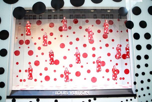 Yayoi Kusama window installation at the Louis Vuitton store. (July 2012)