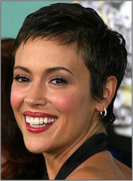 Frisuren Nach Der Chemo Haarausfall Zweithaar Kurzhaarschnitt