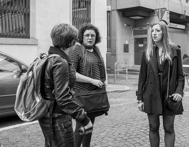 """Here we are! Atelier Italiano's team. From the left: Alessandra, Elena and Elena. We're taking some crucial decisons concearning the #photoshoot, such as """"Where should we go for coffee break?"""" ;-)"""