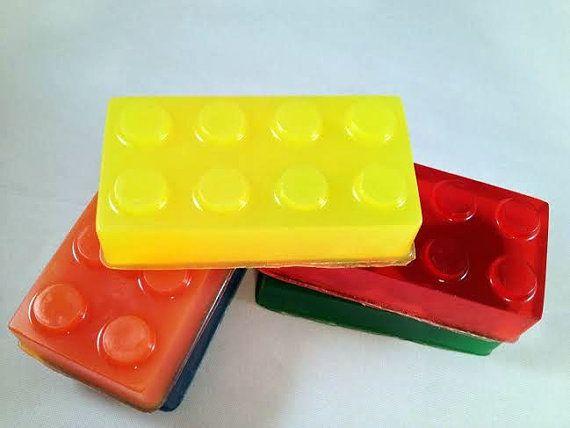 Hey, j'ai trouvé ce super article sur Etsy, chez https://www.etsy.com/fr/listing/178733416/savon-de-lego-pour-les-enfants-choisir-1