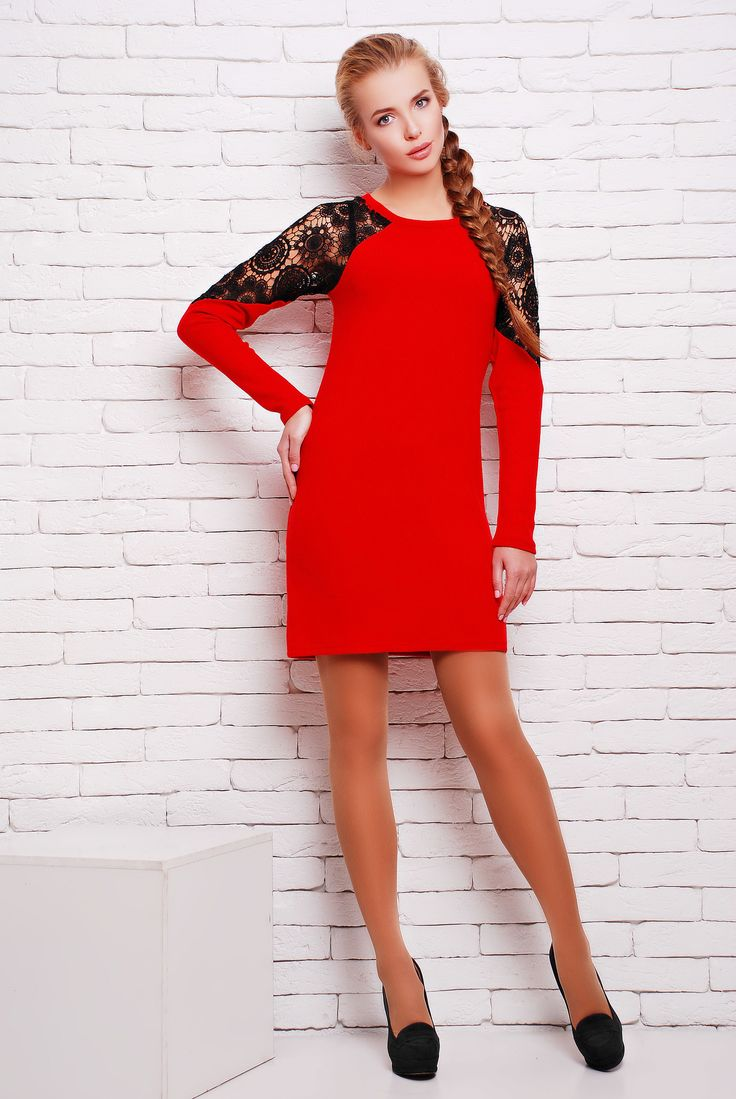 Платье из ангоры с кружевом цвет красный  ВЕГА -  оригинальное однотонное платье из мягкой ангоры прямого силуэта с рукавом реглан. Верх рукава декорирован вставкой из дорогого качественного черного кружева. Платье отлично подходит как для ежедневного использования. так и для ужина с друзьями.