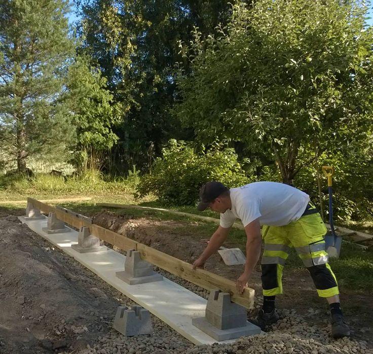TEPE-anturakivi on valmistettu raudoitetusta betonista, joten se on kestävä ja lujapohja perustukselle.