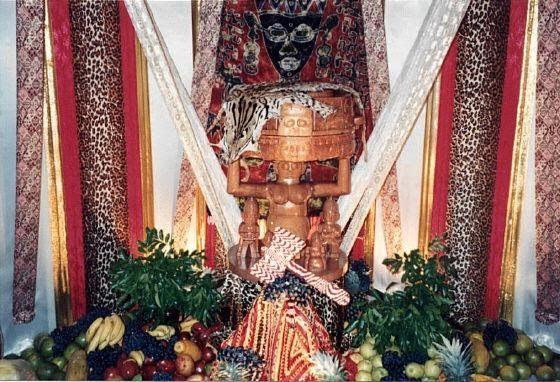 Santería Los Santeros o Regla de Osha-Ifá es un conjunto de sistemas religiosos que funden creencias católicas con la cultura tradicional yo...
