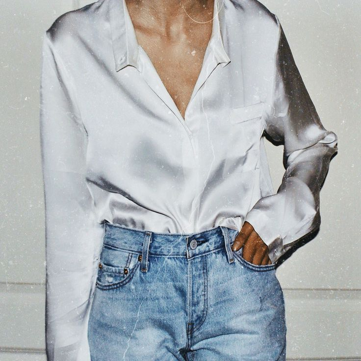 ∣∣ satin collard shirt blouse white with high waisted mom jeans ∣∣