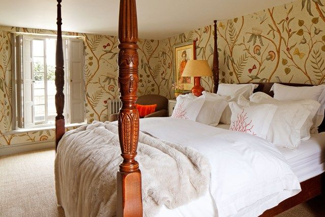 Small Bedroom, Four Poster Bed, Lewis & Wood - Bedroom Decorating Ideas (houseandgarden.co.uk)