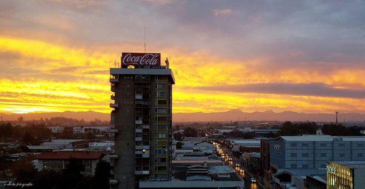 """""""Amanecer de un día martes""""  Calle 1 Sur. Vista desde un piso 6.  Centro de la Ciudad de Talca. Chile."""