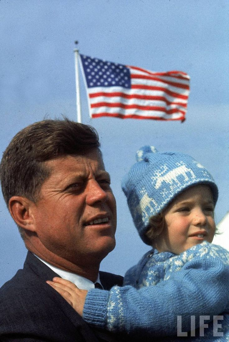 Photo of Caroline & John Kennedy in Hyannis Port on Election Day, 1960.  Taken by Paul Schutzer, via the Life Archive.     <3