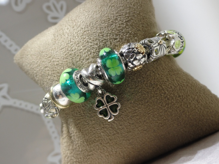 Beautiful Pandora Bracelet. Mitchum Jewelers.