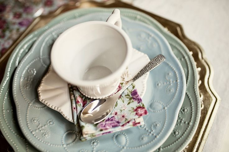 Again, pastel colours combined with floral prints...