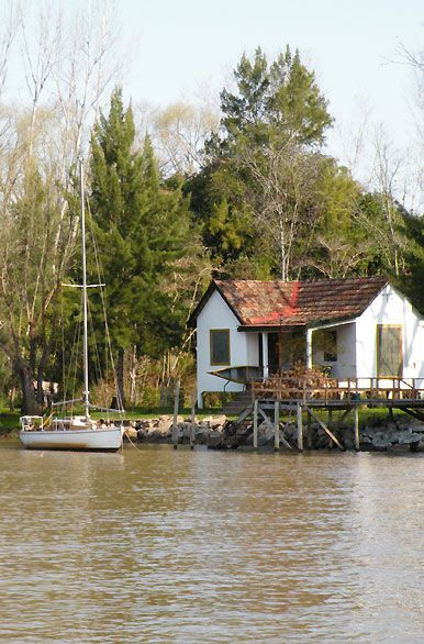 Delta del Tigre, Buenos Aires  Argentina. I totally remember boat rides here :)